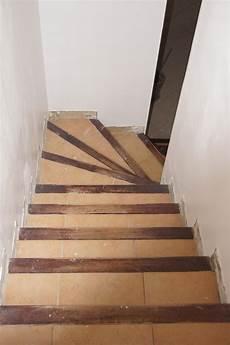 renover escalier en bois moderniser un escalier en bois affordable escalier limon