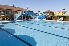 bagno in piscina in piscina bagno il sole stabilimento balneare a