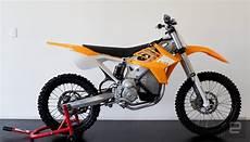 handyhalterung für motorrad alta motors der tesla f 195 188 r motorr 195 164 der pr 195 164 sentiert sich