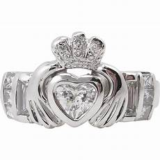 heart 1 01ct diamond irish claddagh engagement wedding platinum ring from diamondviolet ruby