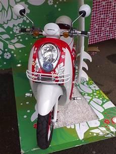 Scoopy Modif Retro by Honda Scoopy Retro White Modif