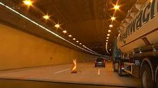 Lieferinger Tunnel Stau Durch Sicherheitsarbeiten