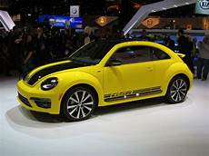 2014 volkswagen beetle gsr is black and yellow black and