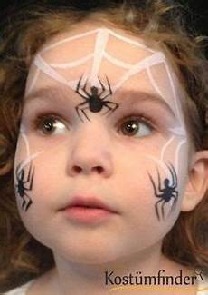 Spinnennetz Schminken Schritt 4 Hexe