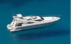 eine yacht gebraucht oder neu kaufen in einer