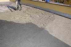 cemento autolivellante per pavimenti prezzi costo massetto autolivellante al mq cemento armato