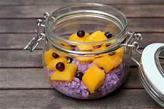 overnight oats rezepte heidelbeer joghurt overnight oats mit mango overnight oats