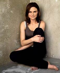 26 Best Emily Deschanel Images Emily Deschanel Zooey