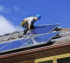 installation panneau solaire maison installation d un panneau solaire comment bien installer