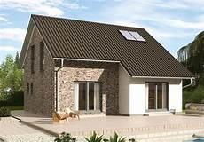 fertighaus günstig bauen charmanter fertighaus entwurf mit erker unter der dachverl 228 ngerung au 223 ergew 246 hnliche planung des