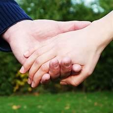 Liebt Er Mich Wirklich - liebt er mich wirklich 8 zeichen dass er sie liebt
