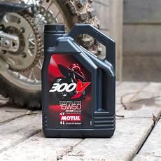 motul 300v 15w50 motul factory line 300v 15w50 town moto