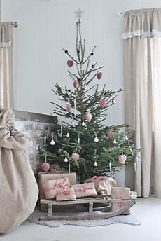 Weihnachtsbaum Rot Weiß Geschmückt - 33 creative and sleigh d 233 cor ideas for