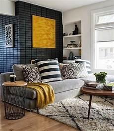 gelbe wand im wohnzimmer projekt wohnung