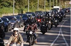 sonntag in stuttgart hunderte motorradfahrer waren am sonntag in stuttgart