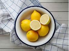 Zitrone Im Schlafzimmer - darum sollten sie eine zitrone neben ihr bett legen