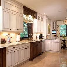 cuisine deux couleurs cuisines beauregard cuisine r 233 alisation 163 cuisine