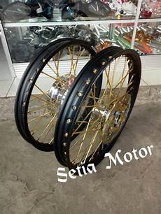 Velg Jari Jari Vario 150 by Jual Beli Velg Ring 17 1set Matic Honda Beat Vario