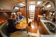 interno barca a vela interno della barca a vela oceanis 351 a ibiza e