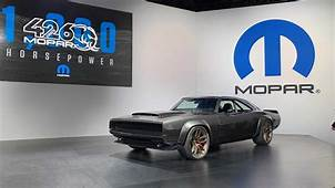 Hellephant On Wheels Up Close With Mopars 1000 HP SEMA Car