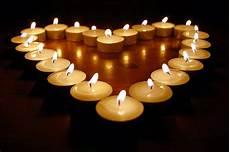 candele a cuore riflessologia luce di candele luce nel cuore