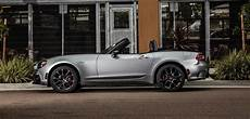 2018 Fiat 124 Spider Gets A New Top Edition The