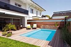 moderne gartengestaltung mit pool schwimmbecken im garten eines reihenhauses h 228 user mit
