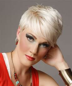 short straight light platinum blonde hairstyle with side