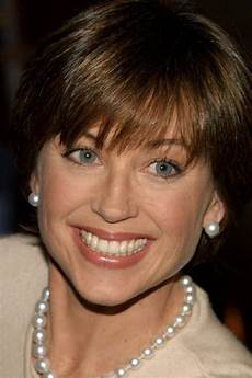 45 best dorothy hamill hairstyles for the chic