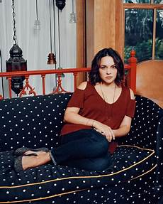 norah jones returns to jazz roots the new york times