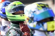 Formel 4 Mick Schumacher Bricht Sich Bei Unfall Die