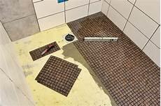 bodengleiche dusche fliesen anleitung bodengleiche dusche einbauen selbst de