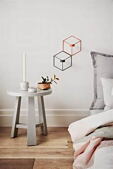 Home Decor Ideas White Walls by How To Decorate A Bedroom With White Walls