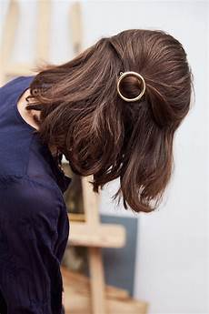 coiffure clips hairstyles barrette justine hairstyles in 2019 cheveux coiffure barette cheveux bijoux cheveux