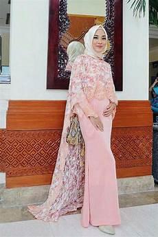 Gaya Jilbab Syari Untuk Wisuda Mirahs