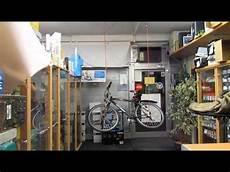 fahrrad st 228 nder 2 2 unter der decke mit seilzug und