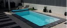 amenagement piscine coque 201 pingl 233 par piscines ibiza sur piscine tropica en 2019 piscine coque mini piscine et piscine