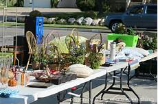10 Tips For A Successful Yard Sale Organize And Decorate