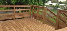 balcon bois extérieur balustrade en bois pour terrasse exterieure
