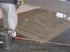 betonboden garage sanieren garagenboden beschichten grundierung unebenheiten