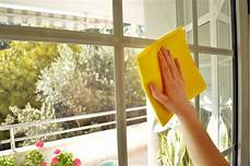 laver des vitres the ultimate guide to cleaning your outside windows king