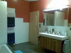 Badezimmer Halbhoch Gefliest - badezimmer wandfliesen wie hoch badezimmer