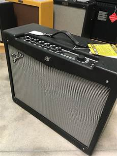 fender mustang 4 fender mustang iv v2 150 watt modeling combo 2x12 quot w footswitches