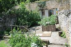 Dalle De B 233 Ton Et Jardin Petits Espaces Et Jardins En