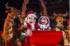 mickey s very merry christmas party at disney world popsugar smart living