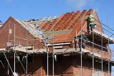 prix d une toiture neuve construction d une nouvelle toiture en pente combien 231 a