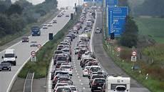 Stau A7 Flensburg Hamburg - verkehr im norden ssw will parallel zur a 7