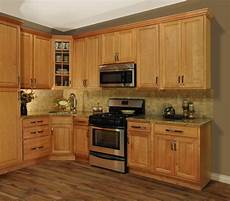 Kitchen Decorating Ideas With Maple Cabinets by Rustic Maple Kitchen Cabinets Loccie Better Homes