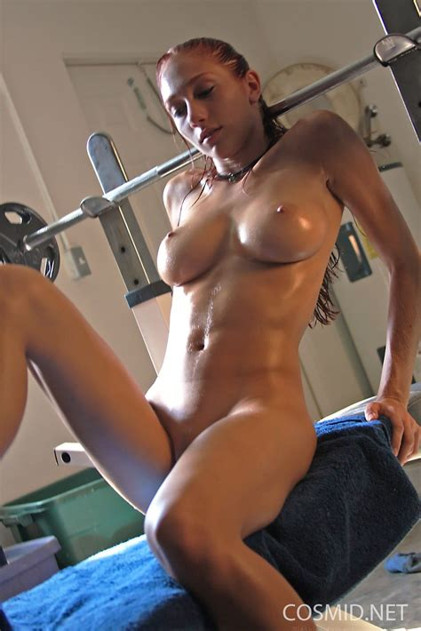 Naked Fitness Babes