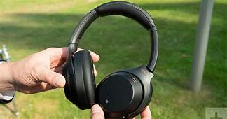 The Best Wireless Noise Canceling Headphones Are Now On